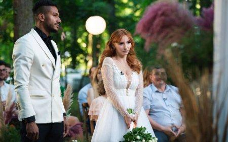 Casatoriti pe nevazute. George si Cristina s-au casatorit, in ciuda criticilor parintilor ei