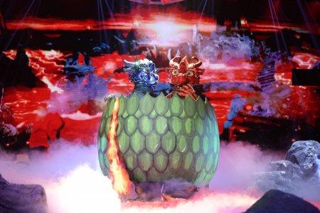 Cine este Oul Dragon de la Masked Singer sezonul 2. Reactia Innei i-a lasat pe toti masca. Radu Valcan si Adela Popescu