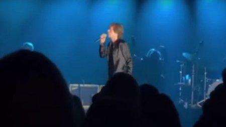 The Rolling Stones au sustinut primul concert live dupa moartea bateritului Charlie Watts, la 80 de ani. Șeful Moderna, prezent la eveniment