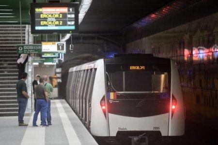 Incident la metrou. Trenurile nu opresc in statia Eroii Revolutiei