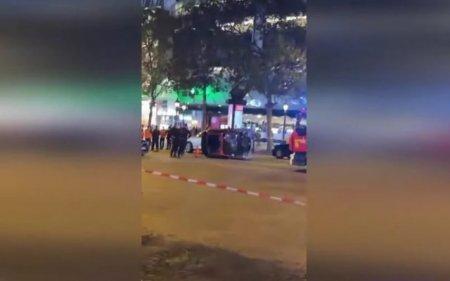 Patru oameni, in stare grava, dupa ce o <span style='background:#EDF514'>SOFERI</span>ta a trecut pe rosu si i-a lovit in plin pe bulevardul Champs-Elysees din Paris