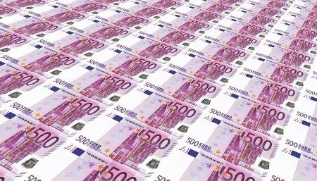 Un barbat a gasit 1.300 de euro in fata unui bancomat si i-a luat. Politistii il cerceteaza