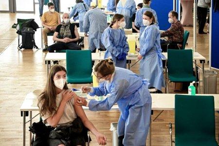 Germania nu va mai plati salariile nevaccinatilor in caz de carantina