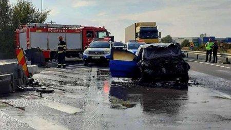 Accident grav intre un autocar cu 30 de pasageri si un auto<span style='background:#EDF514'>TURISM</span> pe Autostrada Pitesti - Bucuresti