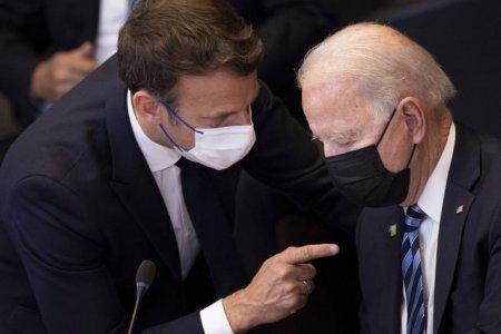 Joe Biden i-a oferit asigurari lui Emmanuel Macron privind mentinerea angajamentelor SUA