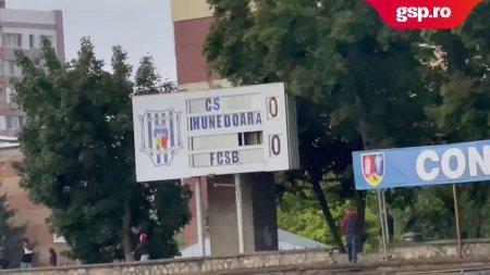CS HUNEDOARA - FCSB. Imagini cu stadionul inainte de inceperea <span style='background:#EDF514'>MECIUL</span>ui