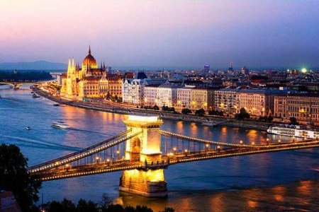 Budapesta are cele mai <span style='background:#EDF514'>MICI</span> preturi la energie din randul capitalelor UE