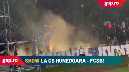 CS HUNEDOARA - FCSB. <span style='background:#EDF514'>ARDEL</span>enii fac show in tribune!