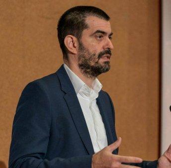 BOGDAN FLOREA, CEO CONNECTIONS CONSULT: 'Listarea are si avantajul disponibilitatii instrumentelor de finantare continua'