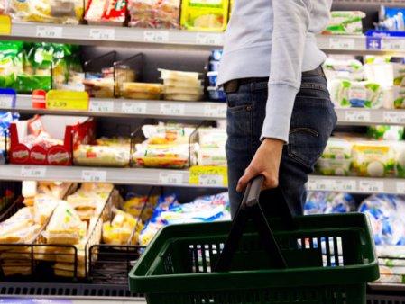 Studiu: cehii prefera sa cumpere produse locale din supermarketuri