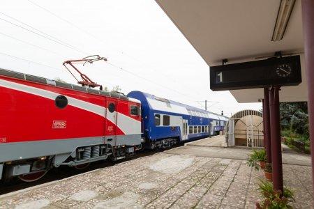 CFR va avea de suferit din cauza Legii statutului personalului feroviar: Vor avea o c<span style='background:#EDF514'>ADER</span>e libera