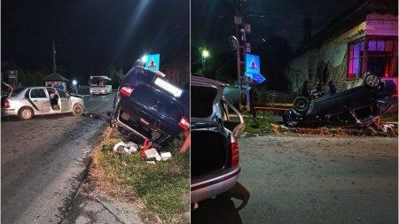 Accident cu patru victime in Arges, dupa ce soferul unei masini s-a izbit de un alt auto<span style='background:#EDF514'>TURISM</span> care s-a rasturnat