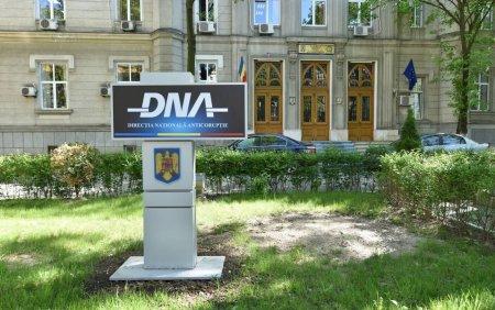 Perchezitii DNA la <span style='background:#EDF514'>CONSILIUL JUDETEAN</span> Iasi. Vizat ar fi Costel Alexe