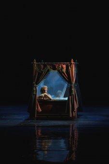 Invitatie la teatru – Papagalul mut, de Nae Caranfil