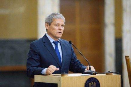 SURSE Dacian Ciolos a castigat primul tur al alegerilor pentru presedintia USR PLUS in fata lui Dan Barna, urmeaza turul doi