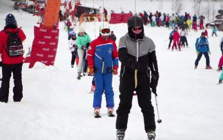 Noi posibile reguli pentru sezonul de schi din acest an. Pe partie, doar cu certificatul de vaccinare