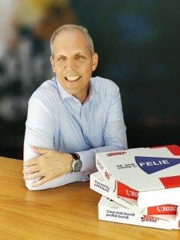 Reteaua Jerry's Pizza estimeaza pentru acest an o crestere de 10% a vanzarilor, dupa un plus de 3,5% anul trecut, si are in plan investitii de aproape 800.000 euro pentru extindere si modernizarea unor <span style='background:#EDF514'>LOCATII</span>