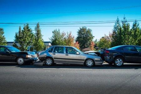 Cum eviti un accident in lant si ce este regula celor doua secunde?