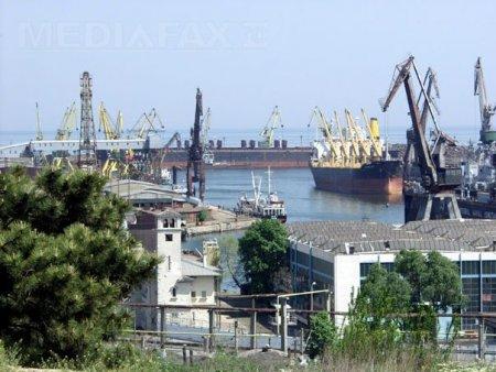 Porturile Constanta Nord si Constanta Sud-Agigea, inchise din cauza vantului