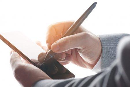 Raiffeisen Bank, Visa si Trans Sped, furnizor roman de solutii de transformare digitala, incheie un parteneriat prin care IMM-urile pot obtine certificate de semnatura digitala calificata