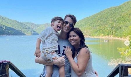 Andreea Popescu va deveni mama pentru a doua oara. Fosta <span style='background:#EDF514'>DANSATOARE</span> a Deliei s-a ingrasat 20 de kilograme in sarcina