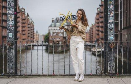 Lovitura de campioana » Turneul WTA de la Hamburg are un logo nou, inspirat de mingea de meci a <span style='background:#EDF514'>GABRI</span>elei Ruse