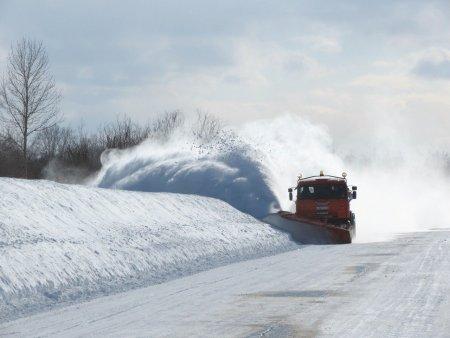 Ninge pe <span style='background:#EDF514'>TRANSFAGARA</span>san! Stratul de zapada este de 10 centimetri