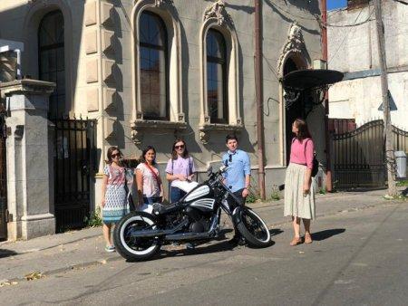 Vanatoarea de comori in Bucuresti. Tineri care au scotocit orasul chiar inainte de scenariul rosu