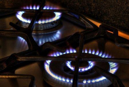Marii furnizori scumpesc gazele inainte de expirarea contractelor cu tarif fix. Engie mareste pretul cu 42%, E.ON cu 46%