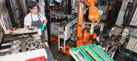 Criza cipurilor. Industria auto ar putea sa inregistreze pagube de peste 200 miliarde euro, in acest an