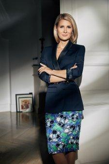Gala <span style='background:#EDF514'>TOP 100</span> femei de succes. Alessandra Stoicescu, cel mai bun jurnalist din Mass-Media