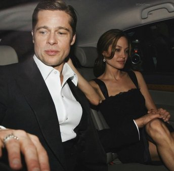 In dra<span style='background:#EDF514'>GOST</span>e, ca la razboi: Angelina Jolie si Brad Pitt se cearta iar. Motivul?