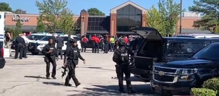 Un mort si 14 raniti, dupa un <span style='background:#EDF514'>ATAC ARMAT</span> intr-un supermarket din Memphis