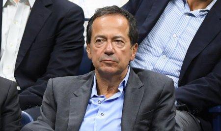 Miliardarul John Paulson divorteaza de sotia <span style='background:#EDF514'>ROMANCA</span>. Jenny, originara din Galati, ar putea primi jumatate din avere