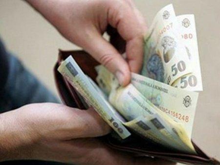 INS: Salariul mediu net a  crescut cu 7,7% fata de 2020, pana la 3.217 lei