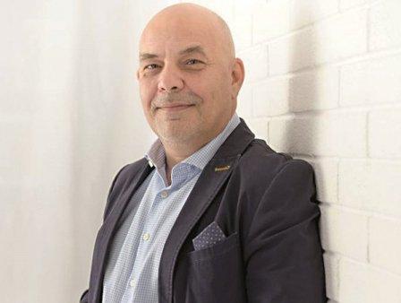 Catalin Atanasie, fondator whap.ro, care aduce la un loc oameni cu idei si proiecte si specialisti: Am lansat platforma in luna iunie si avem 30 de proiecte licitate. Vrem sa crestem echipa si vizam extinderea internationala