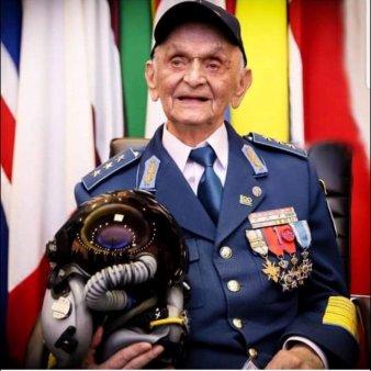 A murit Ion Dobran. Ultimul pilot de vanatoare supravietuitor al celui de-al Doilea Razboi Mondial avea 102 ani