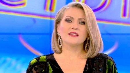 Mirela Vaida, anunt dupa 16 ani de casatorie: E o relatie care in<span style='background:#EDF514'>GHEATA</span> si se topeste