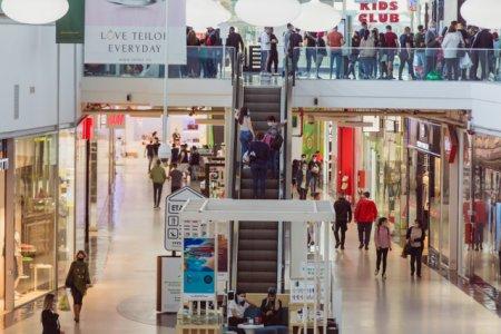 Intrarea in zona de food-court din mall-uri se va face doar cu certificatul Covid