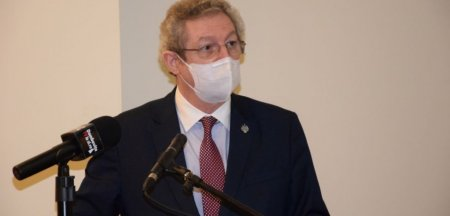 Profesorul Streinu <span style='background:#EDF514'>CERCEL</span>: Vom mai purta masca medicala cel putin doi ani