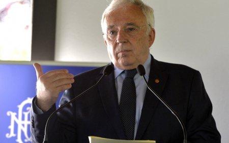 Mugur Isarescu il critica pe premier: