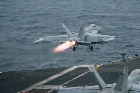 <span style='background:#EDF514'>AVIOANE</span> militare rusesti, interceptate de aeronave NATO deasupra Romaniei