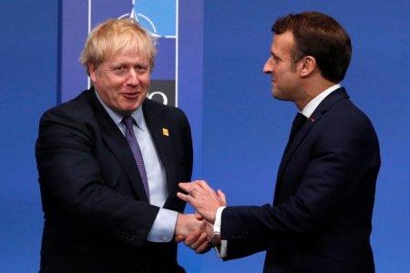 Criza AUKUS. Boris Johnson si Emmanuel Macron au convenit sa coopereze pentru depasirea crizei submarinelor