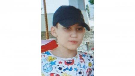 Baiat de 11 ani din Brasov, cautat cu disperare de <span style='background:#EDF514'>PARINTII</span> lui. Copilul este de negasit dupa ce a mers la scoala