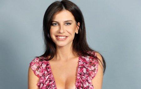 Cristina Postolachi este cea de-a cincea concurenta de la Femeia Alege. La 33 de ani este model si actrita