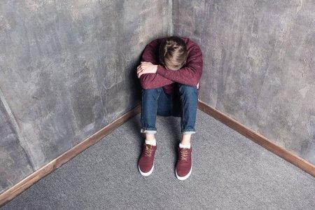 Cum se poate face screeningul depresiei si in ce fel reduce riscul suicidar la adolescenti