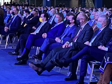 COMENTARIU Lelia Munteanu. Congres de contaminare in Curvistanul politic