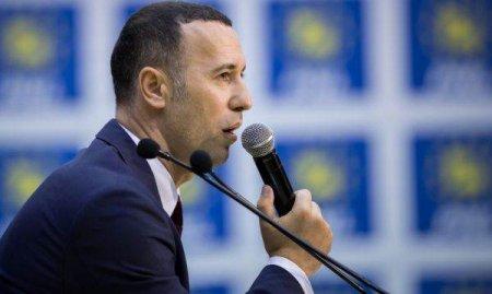 CONGRESUL PNL: Liderul PNL Prahova, Iulian Dumitrescu, il acuza pe Orban de lipsa de altruism