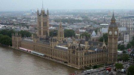 MAE: Din 1 octombrie, in Marea Britanie doar cu pasaport