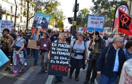 Mii de manifestanti in Franta, impotriva vaccinarii obligatorii si pasaportului vaccinal